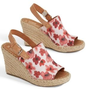 NWT TOM'sPoppy Watercolor Floral Monica Wedges